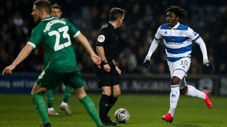 Ebere Eze drifts forward for the R's